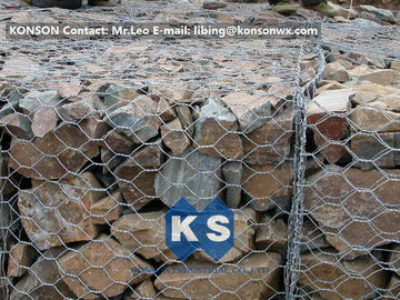چین PVC / Zinc Coated Wire Mesh Gabion Retaining Wall , Galvanized Hexagonal Wire Fence تامین کننده